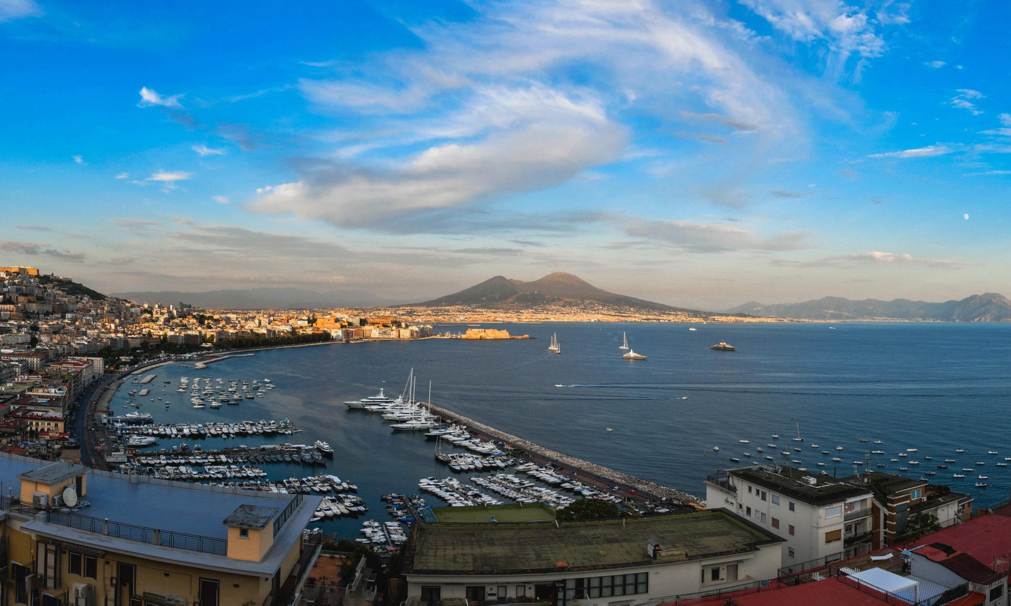 Napoli da Cima a Fondo